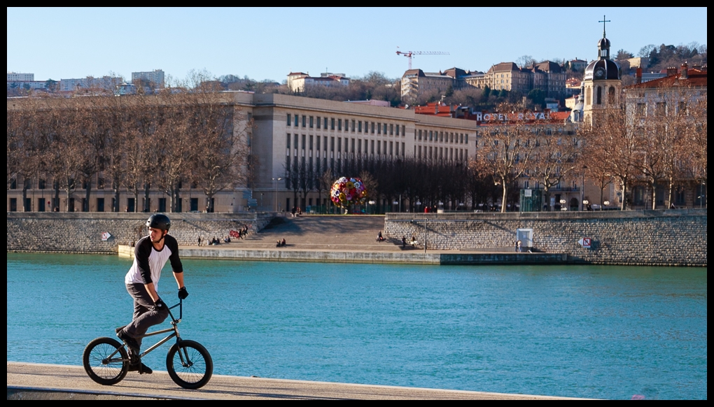bMx over the Rhône